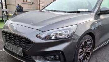 BREAKING: 150 gardaí in CAB raid on eight Newbridge addresses seize over €50,000, designer clothes and cars haul